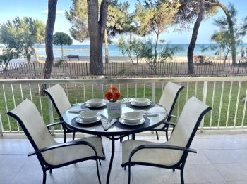 Apartbeach Miramar en frente del Mar - Apartment in cambrils